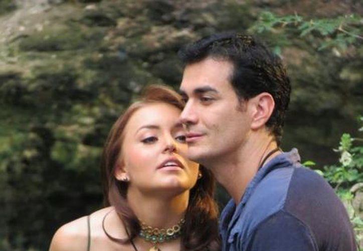 David Zepeda con Angelique Boyer en 'Abismo de Pasión', grabada en 2012 en Yucatán. (SIPSE)