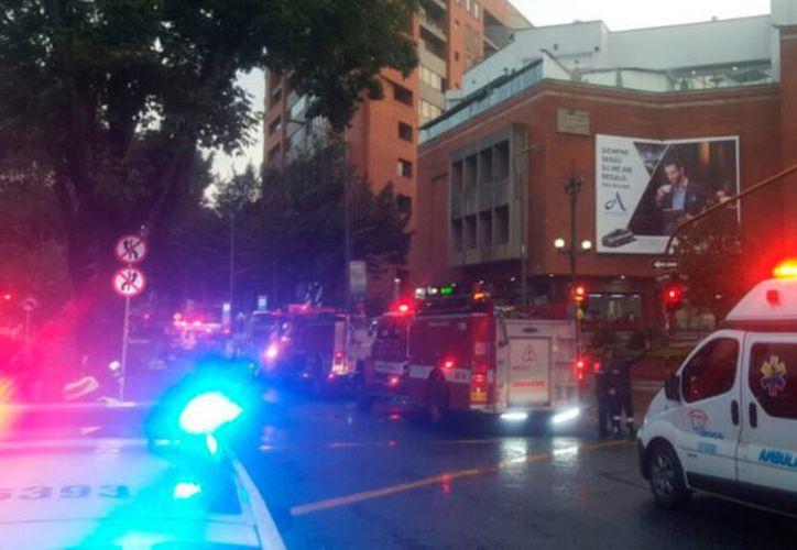La Policía Nacional y Bomberos de Bogotá se encuentran en la zona evaluando la situación. (Foto: CNET Radio)