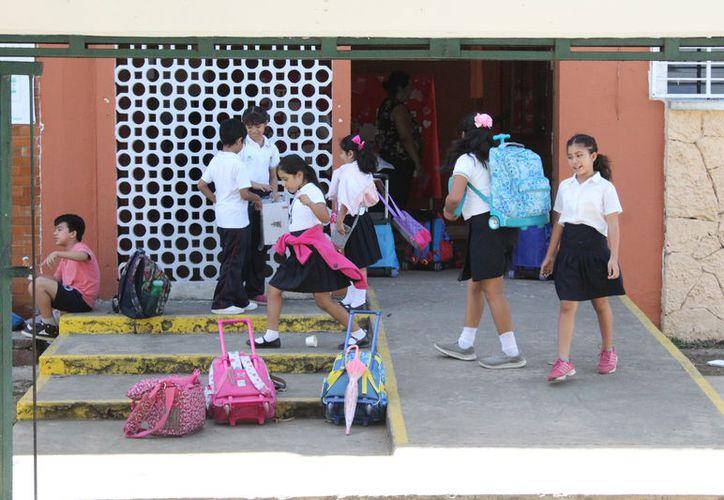Los alumnos ya cuentan con cobertura en salud desde la semana pasada, aseguró, sin mayores detalles, Ana Isabel Vázquez Jiménez, titular de la SEQ. (Joel Zamora/SIPSE)
