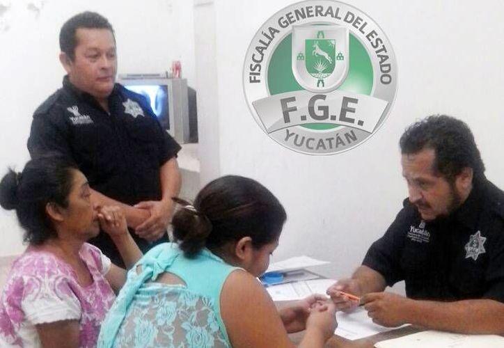 Joanna Nallely fue entregada a su madre en las instalaciones de la Fiscalía General del Estado en Maxcanú. (SIPSE)