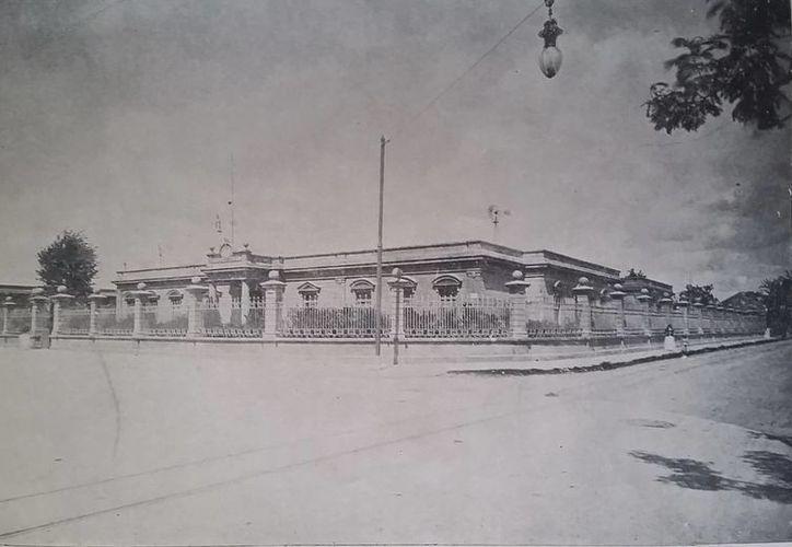 Esta es una escuela para niñas que funcionó a principios del siglo XX en el barrio bravo de San Sebastián. Actualmente alberga a la preescolar María Antonia Ancona. (SIPSE)