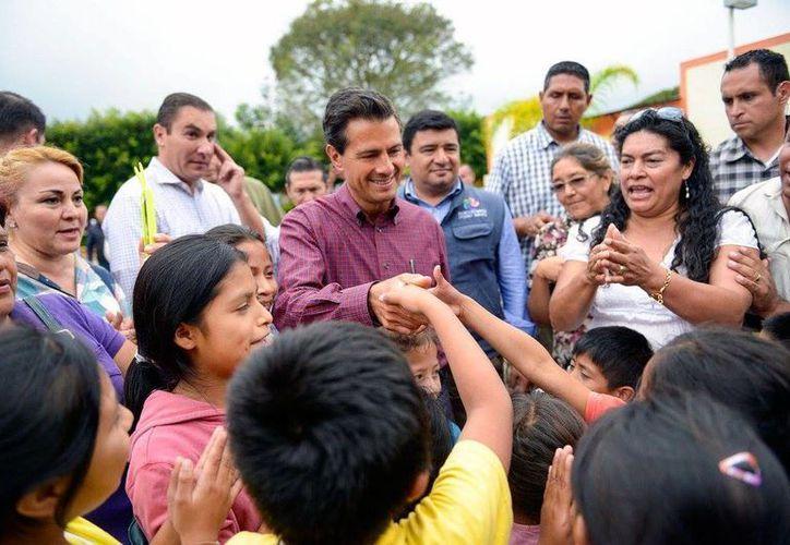 La aceptación a Enrique Peña Nieto cayó a su nivel más bajo en sus casi cuatro años de gobierno. (Facebook de Enrique Peña Nieto)