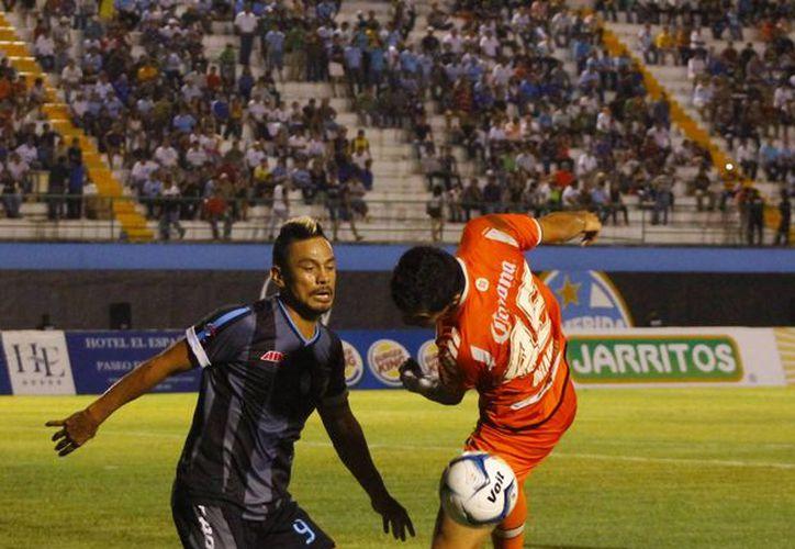 Los astados (i) viajan este martes a Guadalajara para su duelo del miércoles contra Leones Negros. (Milenio Novedades)