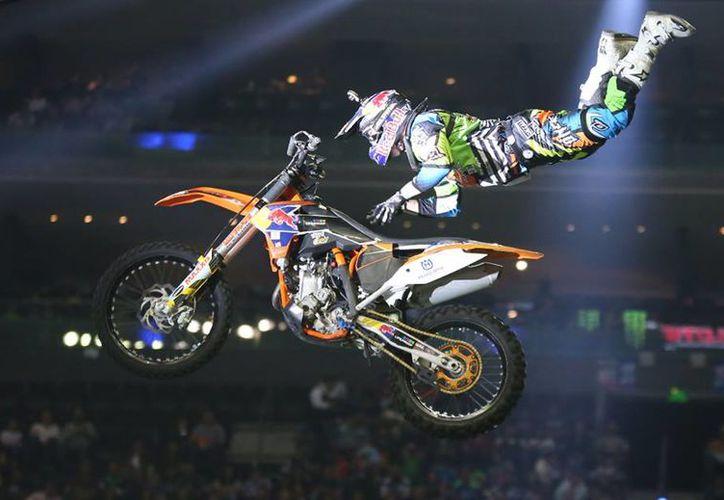 La adrenalina invadió la Arena Ciudad de México con el espectáculo de motocross. (Facebook/Xpilots)