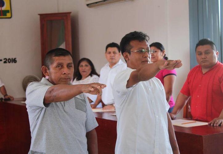Las actividades se desarrollaron durante la sesión de Cabildo. (Raúl Balam/SIPSE)