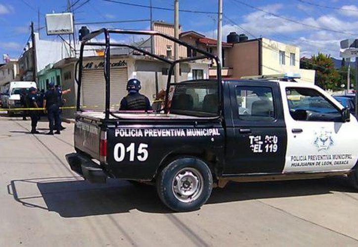 Durante el incidente, se presentaron daños en seis casas y una camioneta. (Foto: Chicahuaxtla/TWITTER)