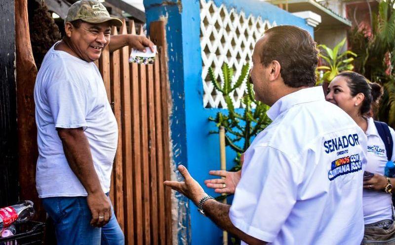 Julián Ricalde pide de manera respetuosa a los quintanarroenses analizar los perfiles y trayectorias de cada uno de los candidatos. (Foto: Redacción/SIPSE)