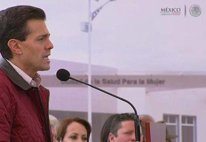 El Presidente @EPN reconoció la tarea incansable de las mamás de México durante la inauguración de  Ciudad Salud para la Mujer. (@PresidenciaMX)