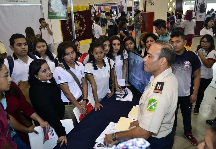 Imagen de la inauguración de la Feria de Posgrados 2017, en la cual se dio a conocer la cantidad de investigadores que se forman en Yucatán. (Daniel Sandoval/Milenio Novedades)