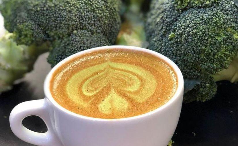 El invento de polvo de brócoli con café, ya se está sirviendo en una cafetería de Melbourne. (Computer Hoy)