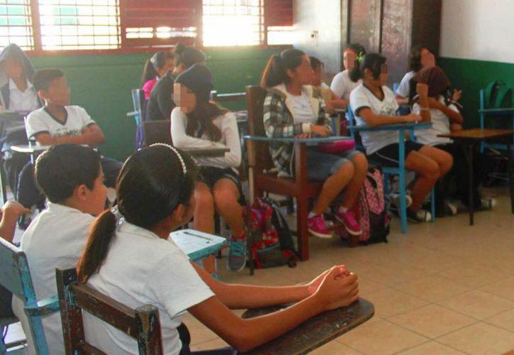 El Centro de Integración Juvenil de Playa del Carmen detectó que cuatro de cada 10 niñas de nivel básico consume alcohol. (Daniel Pacheco/SIPSE)