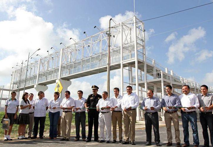 Entra en funcionamiento las nuevas vías laterales en la zona poniente de Periférico.  (Cortesía)