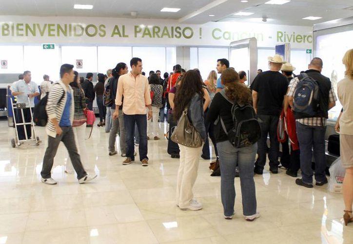 Se brinda servicio a 20 ciudades dentro del país a cargo de seis aerolíneas. (Luis Soto/SIPSE)