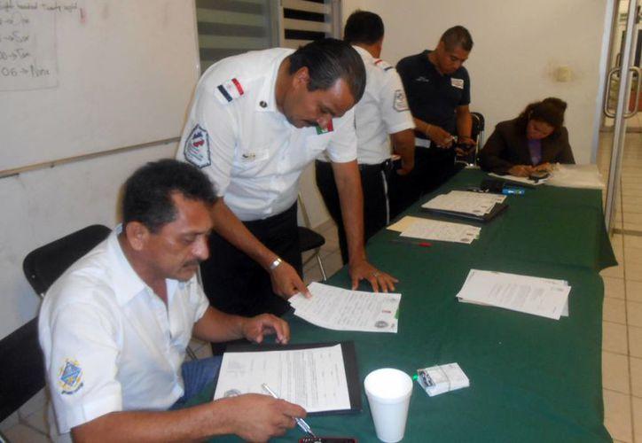 Delegación en Progreso de la Comisión Nacional de Emergencias. (Manuel Pool/SIPSE)