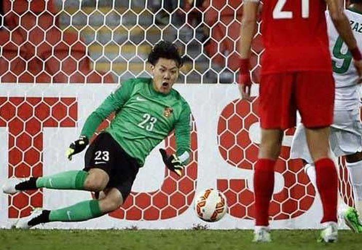 El portero fue castigado por dos años, luego de dejarse anotar tres goles, como protesta a una decisión arbitral. La foto es de contexto para ilustrar la nota.(Foto tomada de Futbol Total)