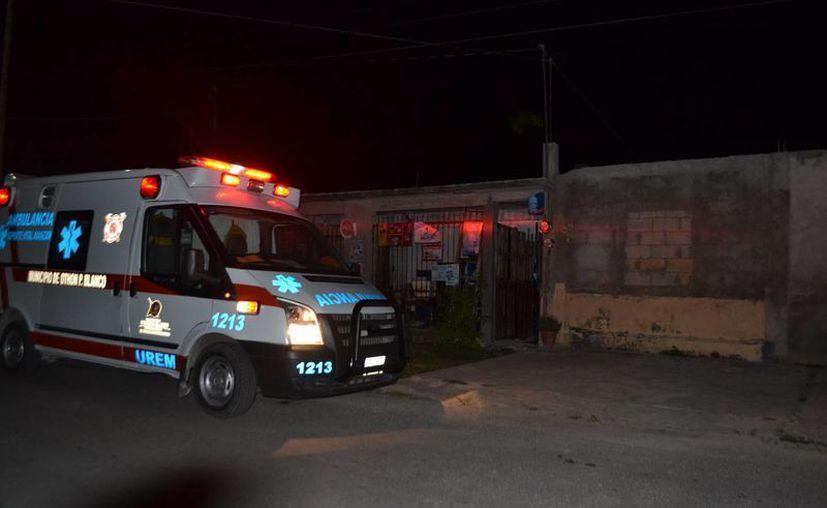 La Unidad de Respuesta a Emergencias Médicas acudió en auxilio de la menor. (Redacción/SIPSE)