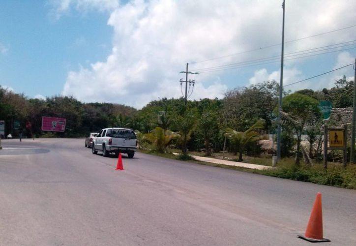 Durante tiempo indefinido se mantendrá restringido el paso a los vehículos grandes hacia la zona arqueológica.  (Rossy López/SIPSE)