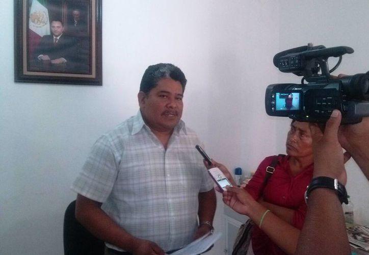 Jorge Luis Córdoba Pech, representante de la SEyC, ofreció una conferencia de prensa. (Rossy López/SIPSE)