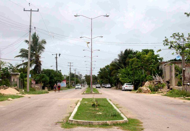 Los grupos de pandilleros rondan las colonias de la ciudad de Felipe Carrillo Puerto sin iluminación y protagonizan peleas. (Jesús Caamal / SIPSE)