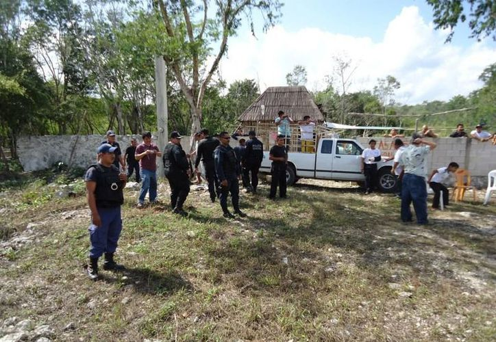 En ocasiones los policías se ven rebasados en número de elementos, cuando acuden a atender reportes de riñas. (Rossy López/SIPSE)