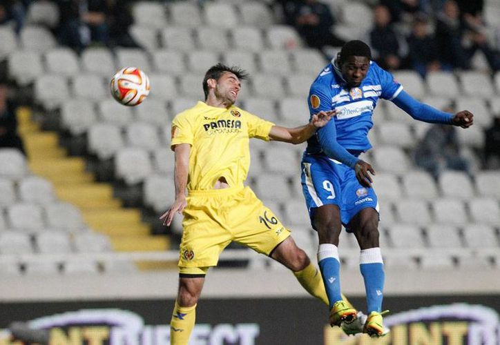 El Villarreal ganó 2-0 al Apollon de Chipre y avanzó en la Liga de Europa. Los mexicanos Giovani y Jonathan Dos Santos no jugaron. (AP)