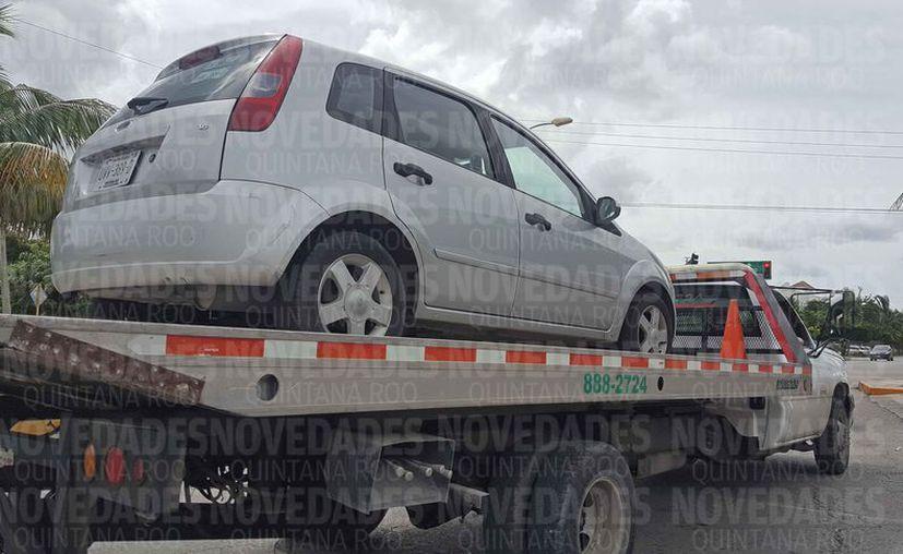 La Sintra, en operativos, ha detenido a varios vehículos de Uber. (Jesús Tijerina/SIPSE)