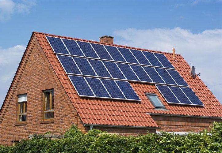 De ser aprobada, la medida de los paneles solares en todas las casas entraría en vigencia para 2020. (Foto: Contexto)