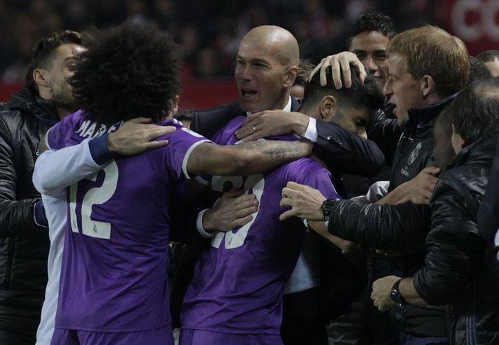 Con sus 40 partidos invicto, el Real Madrid deja atrás los 39 del Barza, empata los 40 del Nottingham Forrest de hace 40 años y está aún muy lejos del récord europeo del Steaua, de 106. (AP)