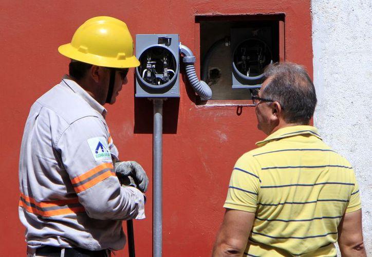 En abril pasado el Congreso de Quintana Roo logró la reducción de tarifas eléctricas.  (Foto: Milenio Novedades)