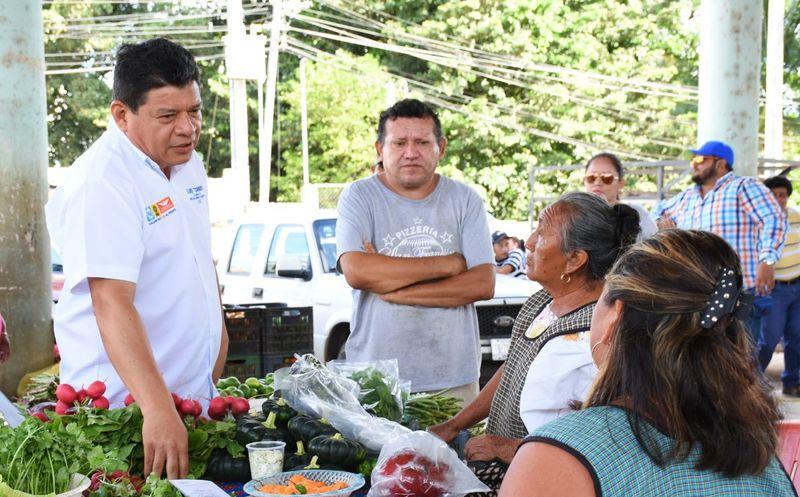 El candidato de la coalición Por Quintana Roo al Frente afirma que el turismo es sólo una oportunidad, pero existen otras. (Redacción/SIPSE)
