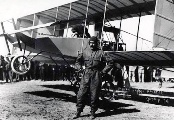 Una de las fotografías que serán parte de la exposición fotográfica de los primeros aeroplanos de doble ala de la FAM, en 1915. (Milenio Novedades)