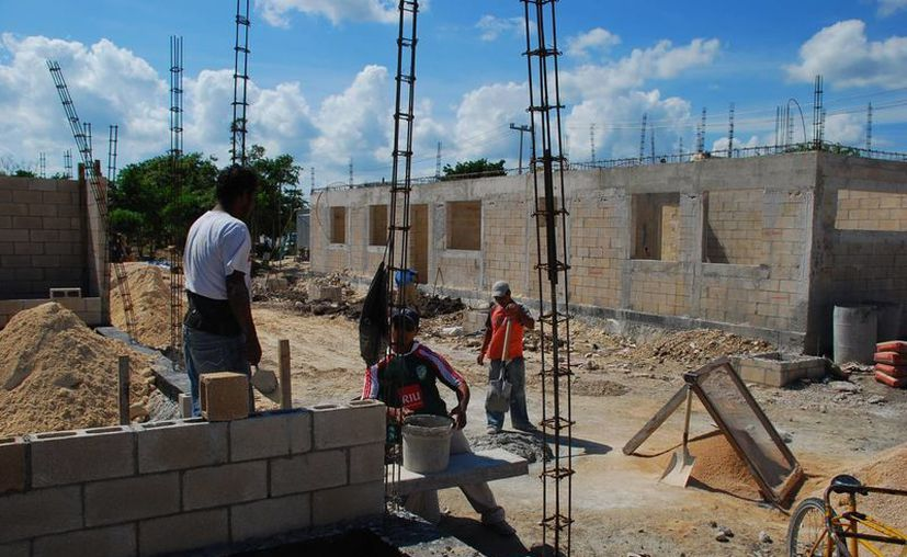 La obra pública se tiene contemplada para dar frutos a partir del segundo semestre del año en Quintana Roo. (Tomás Álvarez/SIPSE)