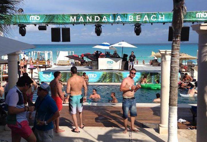 La Cosmo Bikini Bash 2015 se realizará en el Mandala Beach Club de Cancún. (Cortesía/Facebook)