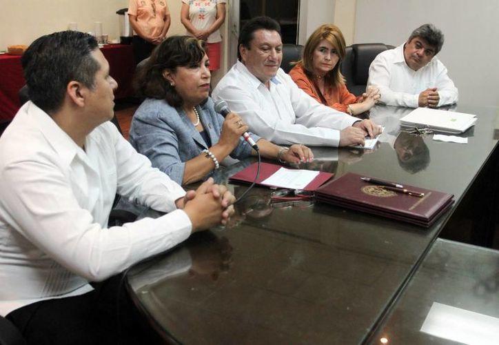 La Federación de Colegios de Profesionales de Yucatán firmó un acuerdo de colaboración académica con el Instituto Tecnológico de Mérida. (Milenio Novedades)