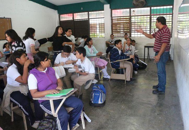 Se comenzará a aplicar en el 2018 para los profesores de preescolar. Foto: (Adrián Barreto/SIPSE)
