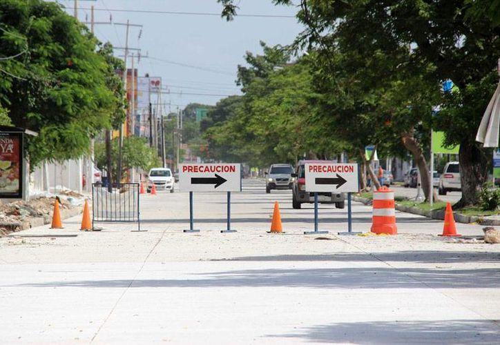 De acuerdo con información oficial, la repavimentación de 4 kilómetros de prolongación Paseo de Montejo -cuyo último tramo (foto) reabre a la circulación, este sábado 23 de agosto- costó 60 mdp. (Cortesía)