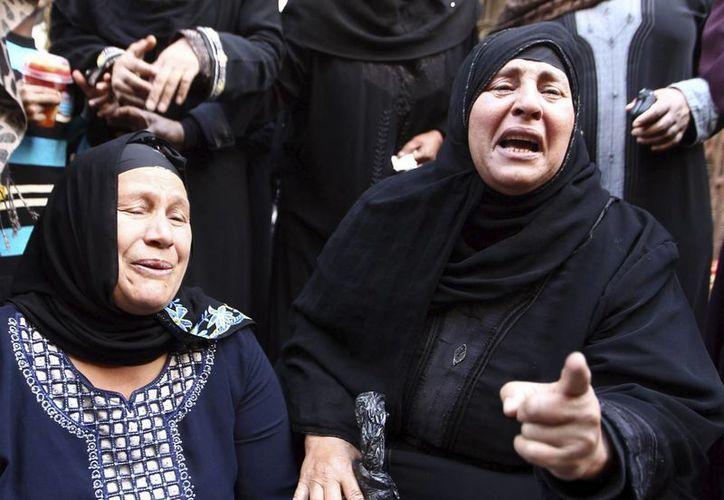 Los familiares de los sentenciados exigen justicia; el fallo definitivo será emitido el 21 de junio. (EFE)