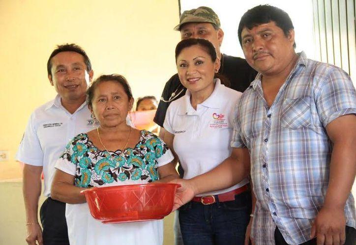 Durante las jornadas de asistencia se dieron cursos, consultas médicas y apoyos de lectura y escritura en comunidades de la Zona Maya.  (Redacción/SIPSE)