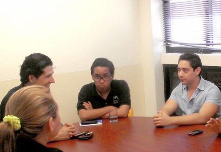 Los jóvenes, en una visita a la UTM. (Milenio Novedades)