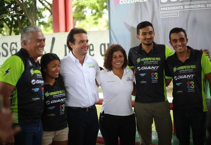 """El abanderado de la """"Coalición por Quintana Roo"""", enlistó en materia deportiva la necesidad de impulsar el deporte adaptado. (Redacción/SIPSE)"""
