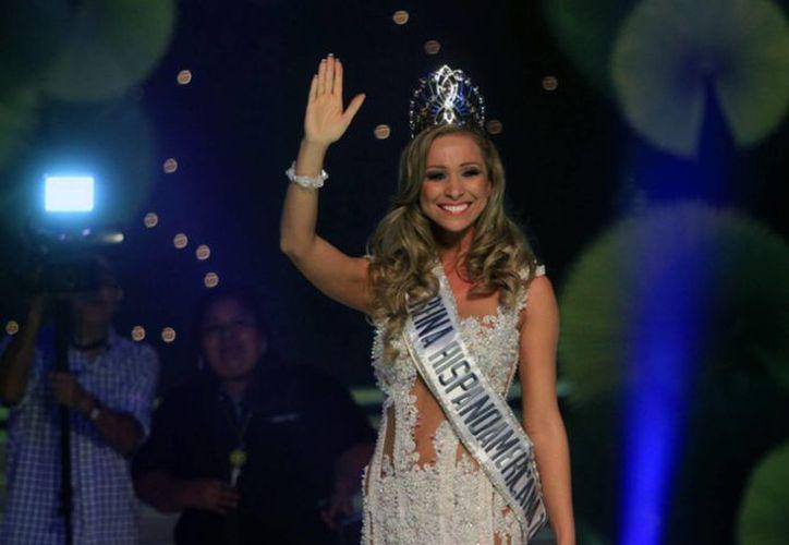 """Romina Rocamonje también obtuvo los títulos de """"Miss Cielo"""" y """"Miss Elegancia"""" (EFE)"""