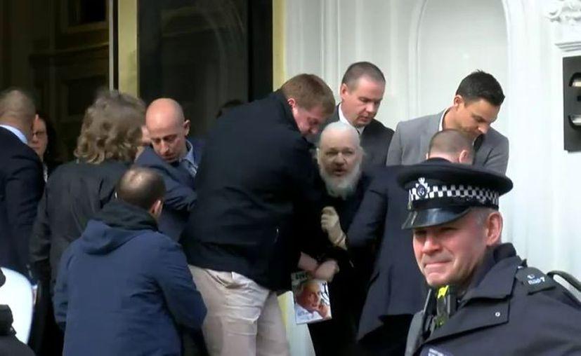 """El canciller ecuatoriano José Valencia dijo que el comportamiento de Assange fue """"indigno, irrespetuoso"""". (Internet)"""
