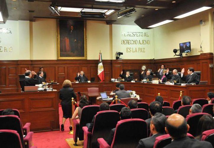 La Corte se pronunció en contra de un amparo tramitado por Comercializadora Rubicón, empresa que pretendía expender marihuana medicinal. (Notimex)