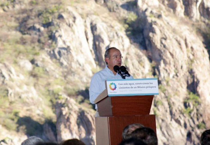 Hace unos días el presidente Felipe Calderón Hinojosa inauguró el Acueducto Independencia. (Archivo Notimex)