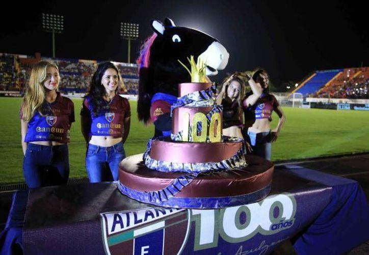 El equipo azulgrana festeja su aniversario número 100 el día de hoy. (Redacción/SIPSE)