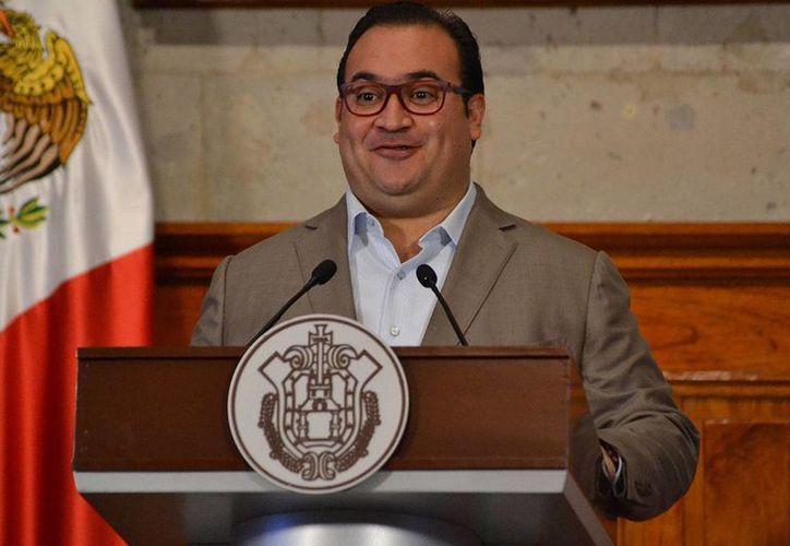 El gobernador de Veracruz, Javier Duarte, destacó que los ejercicios fiscales que el SAT está auditando, corresponden a los años 2012, 2013 y 2014. (Yerania Rolón/proceso.com.mx)