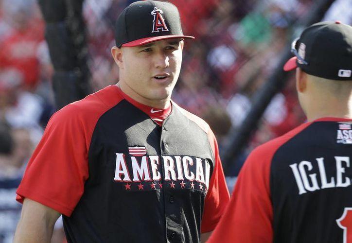 Mike Trout y Jose Iglesias durante los entrenamientos previo al Juego de Estrellas de la MLB.
