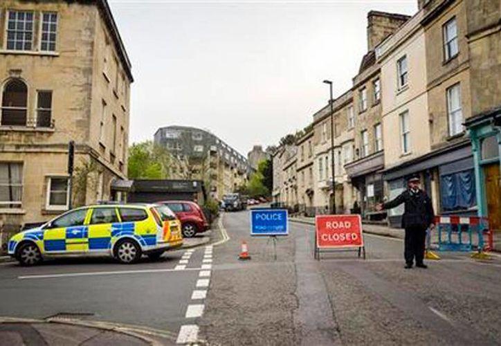 Las calles se cerraron ante el hallazgo de una bomba de la Segunda Guerra Mundial. (AP)