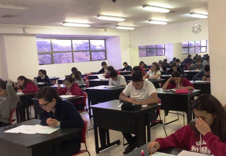Sólo el 5%, de los alumnos del nivel medio superior en el Estado, tuvieron buenos resultados en matemáticas.  (Foto: Eddy Bonilla)