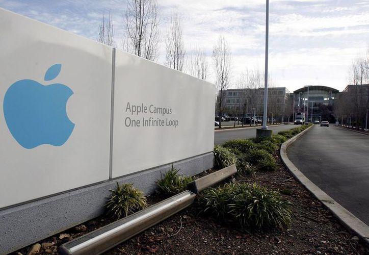 Las acciones de Apple se han devaluado más de un 21% en lo que va de 2013. (EFE)
